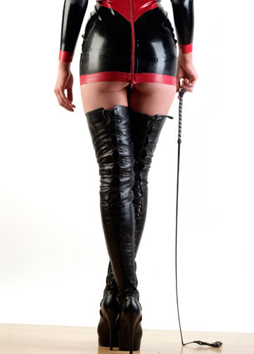 atomic-mistress.07